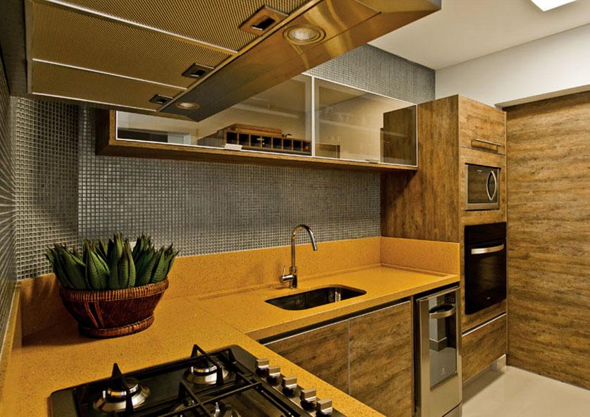 cozinha-pequena-em-silestone-amarelo