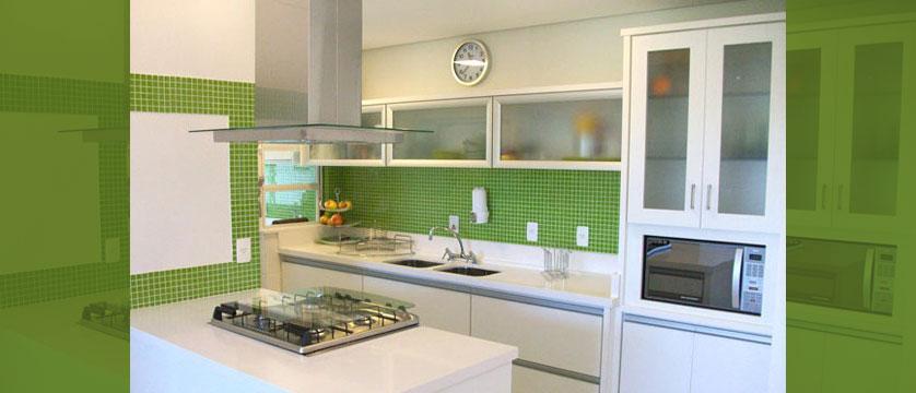 Cozinha Pequena 80 Inspirações de Decoração -> Banheiro Decorado Com Pastilhas Verdes