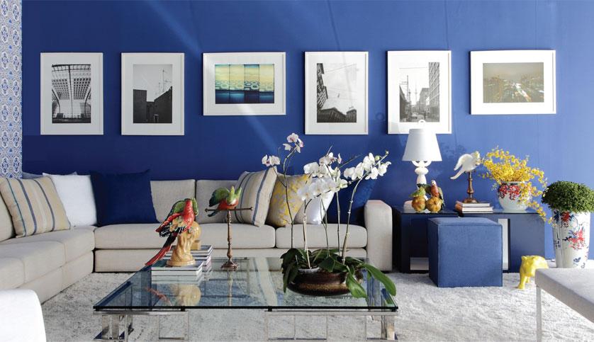 sala com parede azul