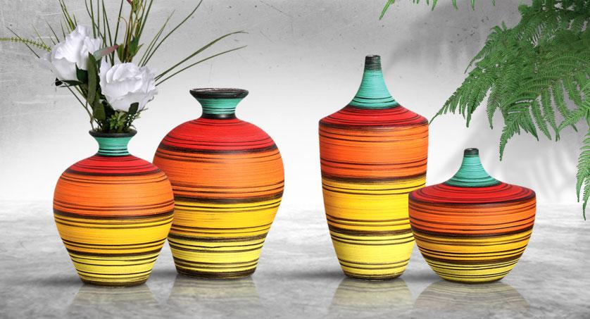 Par de vasos coloridos para dar de presente no dia das mães