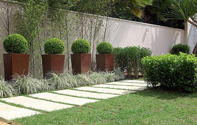 Decora o de jardim pequeno 8 dicas indispens veis for Plantas en jardines pequenos