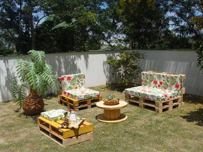 sofás e mesinha de palete