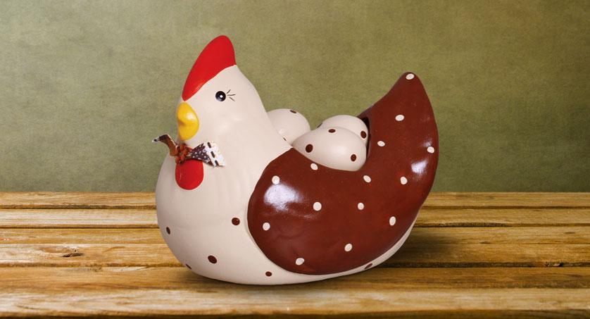 4-porta-ovos-galinha-pequeno-marrom